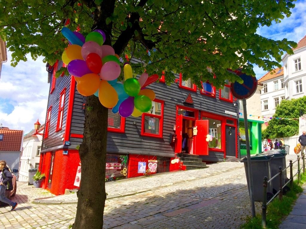 Colorful Guest Home. Centrum.