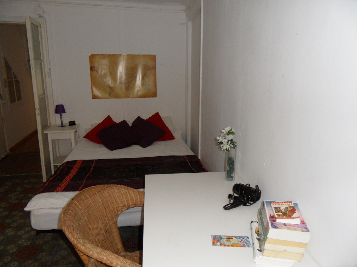 Large Double Room in El Raval