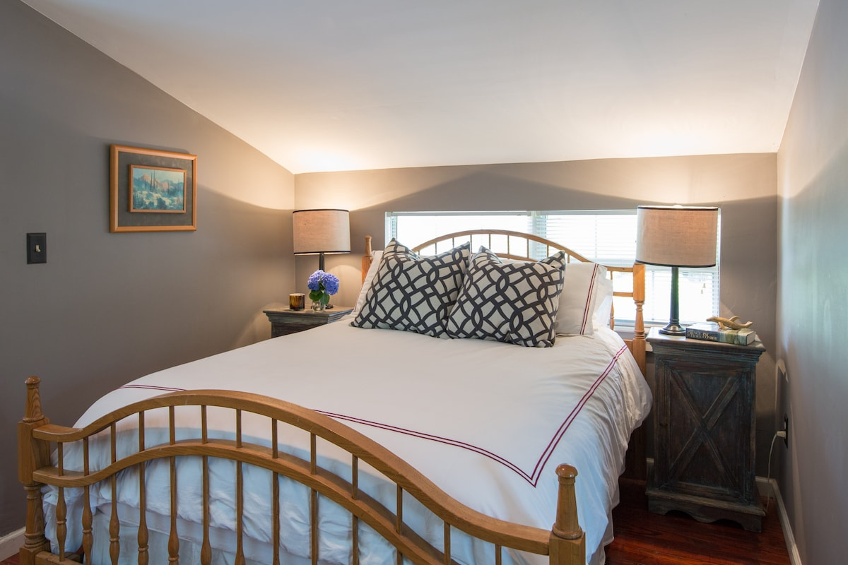 Comfy Full-sized bed with clean linens