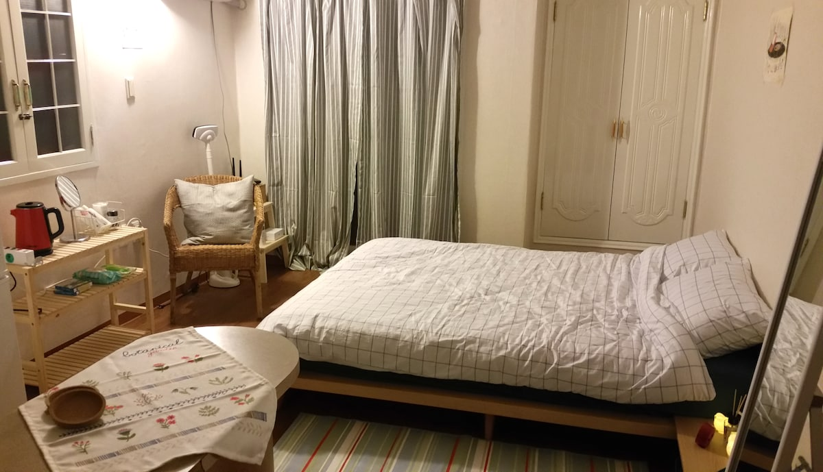★OPEN★ Cozy flat for 2 in Hongdae!