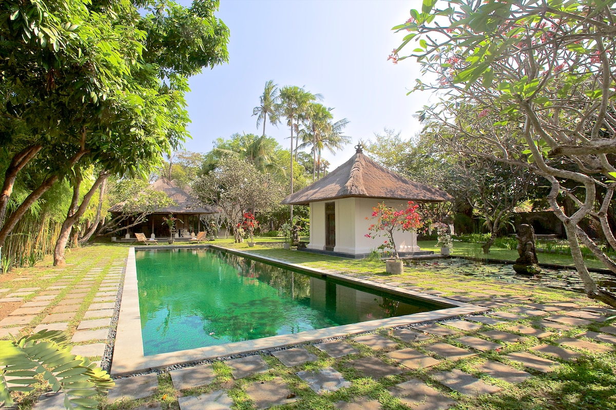 18-m pool, cabana, both flanking lotus ponds, classic Balinese Balé from your terrace.