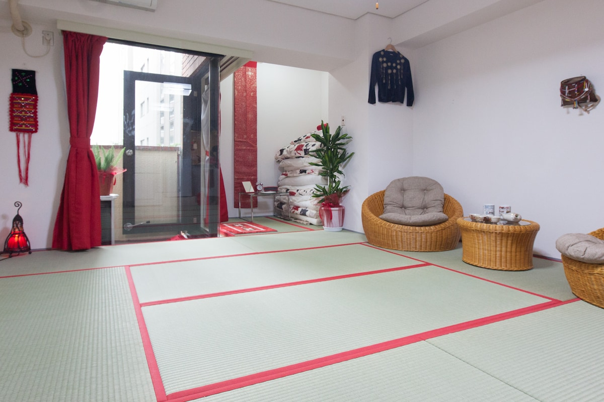 Tatami, central on Yamanote line