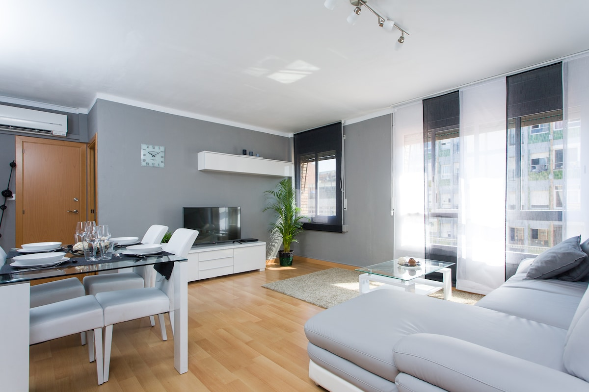 NEW SUNNY AND CENTRAL APARTMENT