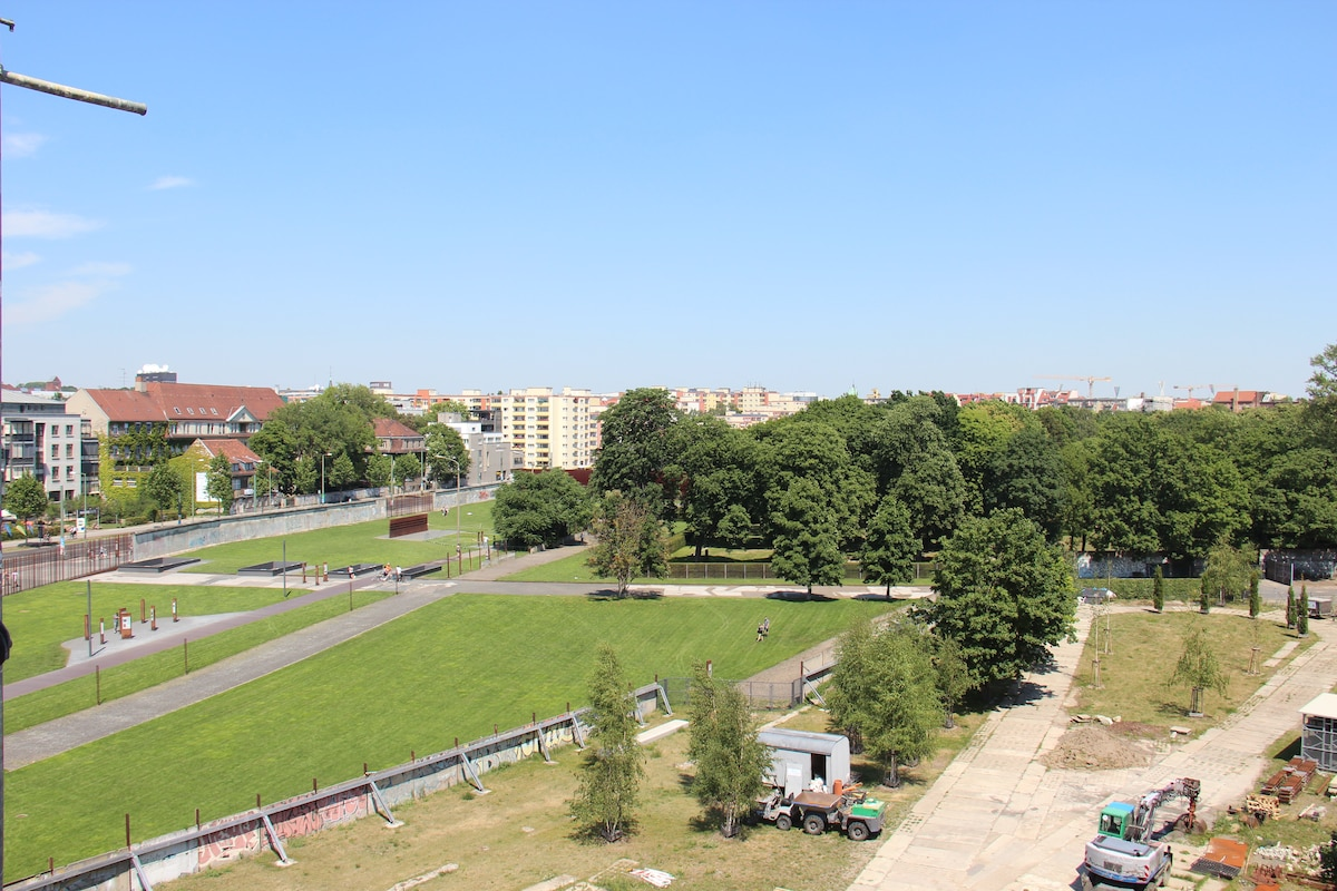 Fantastic view over Berlin Wall
