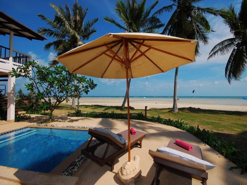Beachfront 1 Bedroomed Oceanview Rm