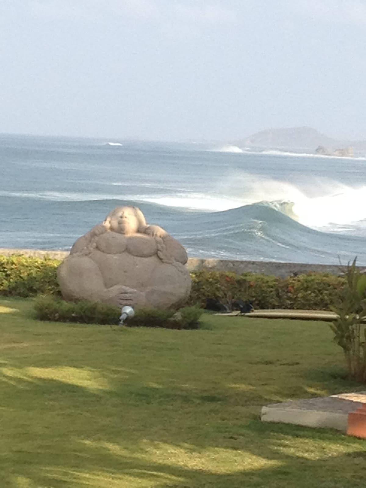 Stunning Ocean Front Villa Ohana