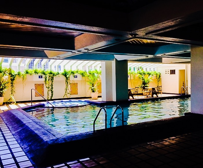 Luxury like Hotel Manila bay side