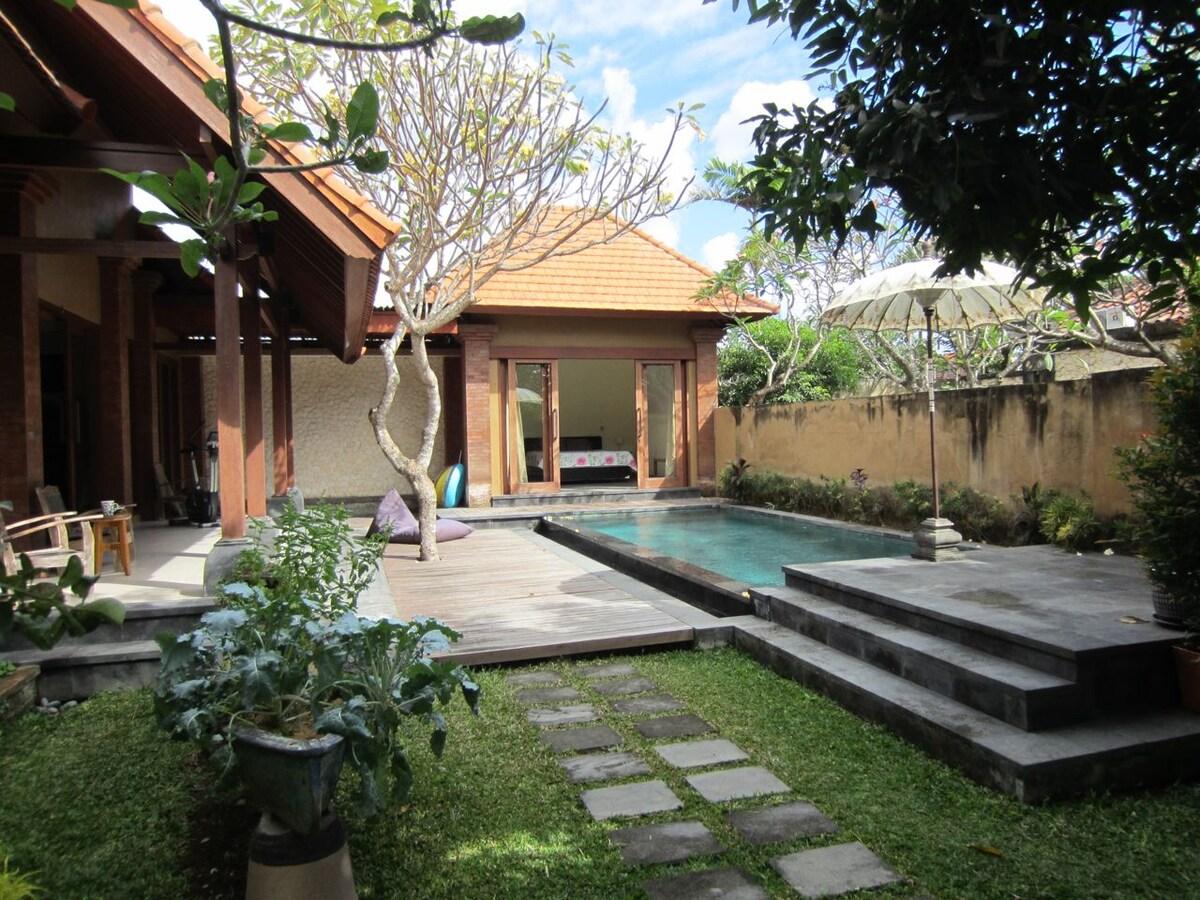 Private Villa in Sanur w/Pool WIFI
