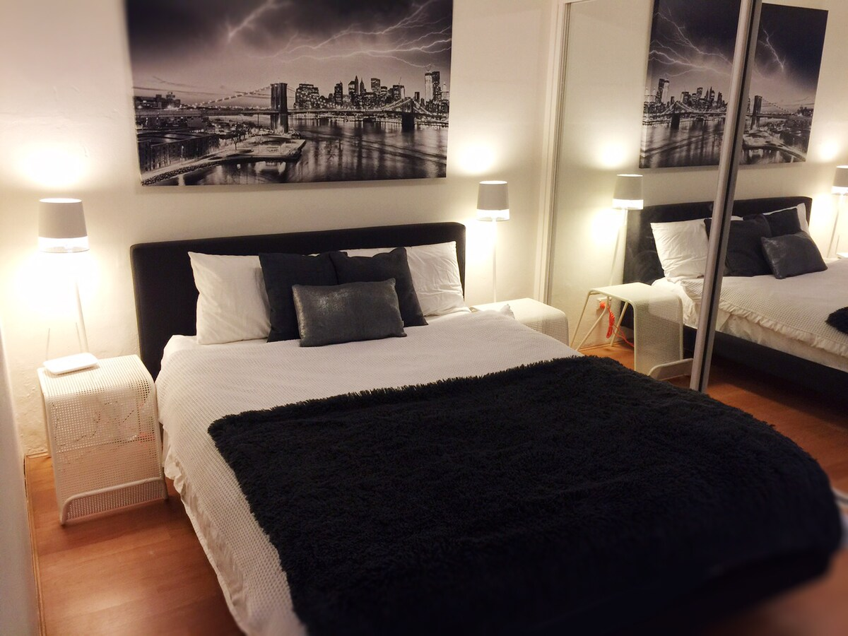 Hot NEW Bachelor Pad near City