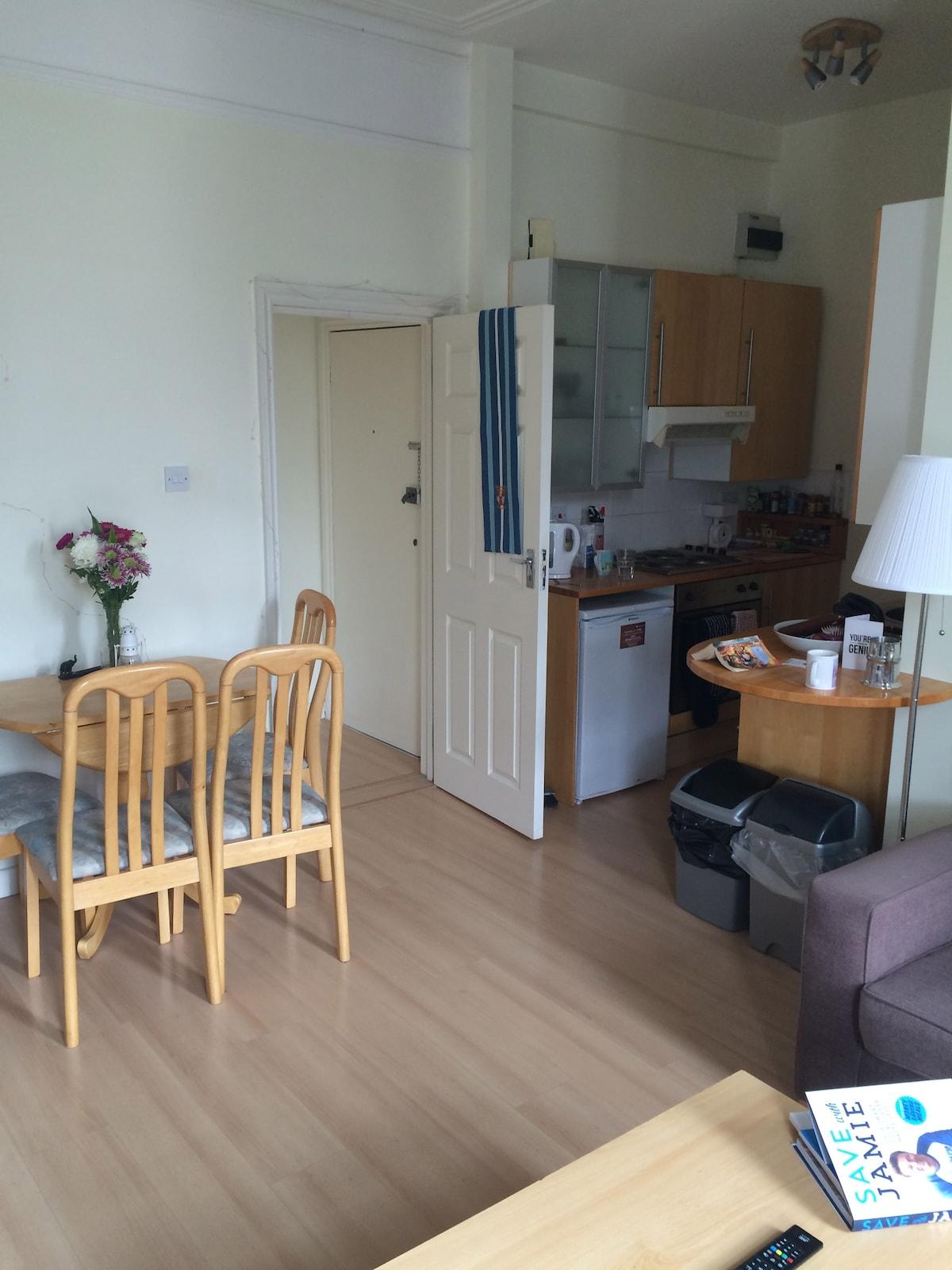 Spacious flat in West Kensington