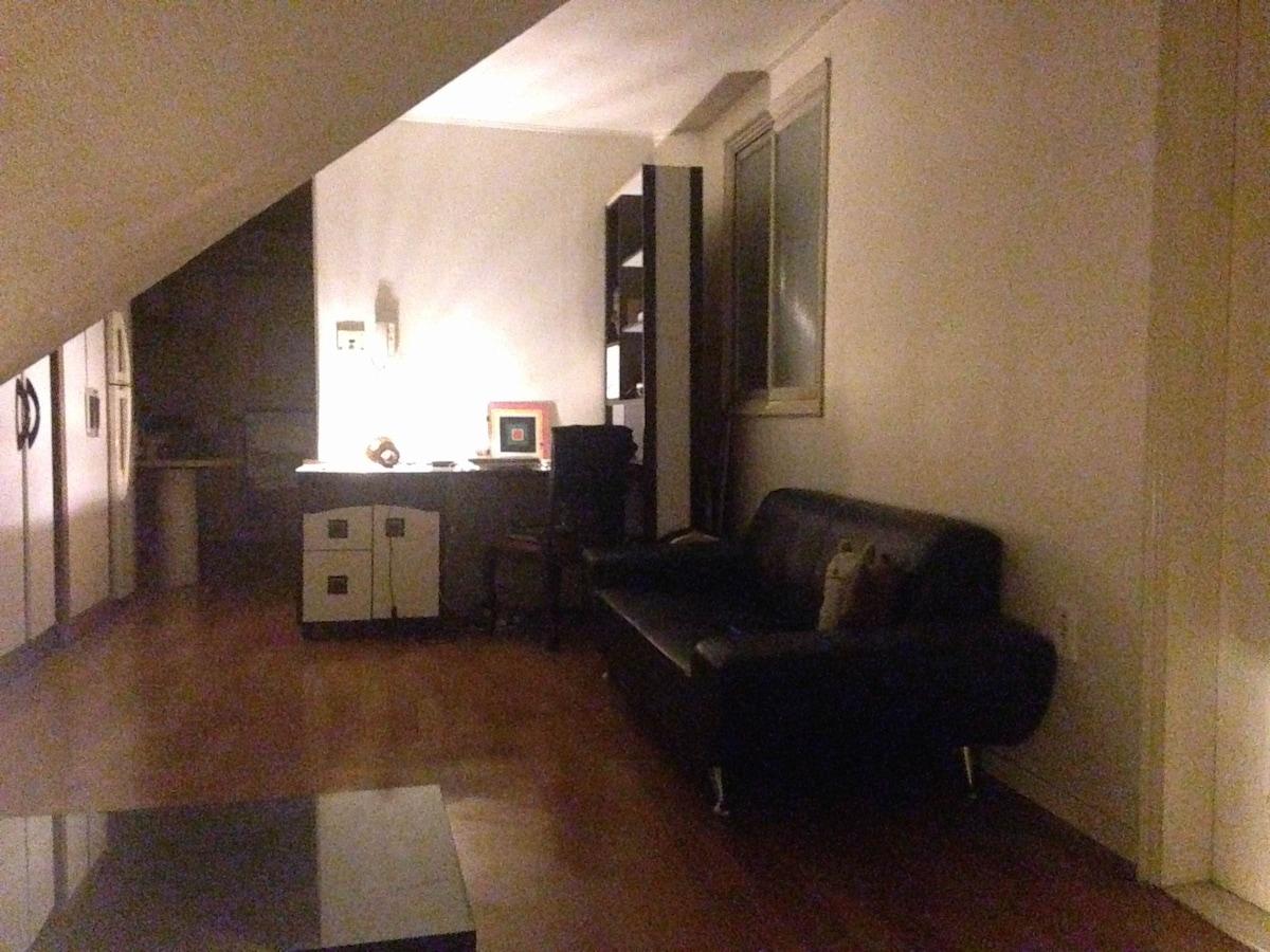Studio apartment in heart of Seoul
