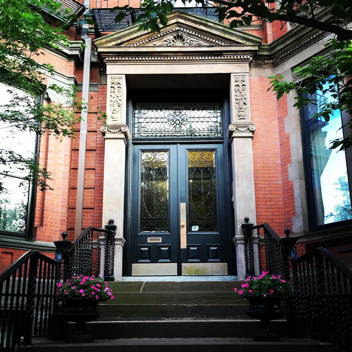 Historic Apartment on Commonwealth