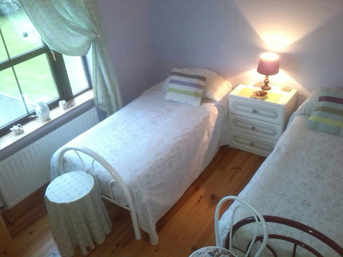 comfy single beds& private bathroom