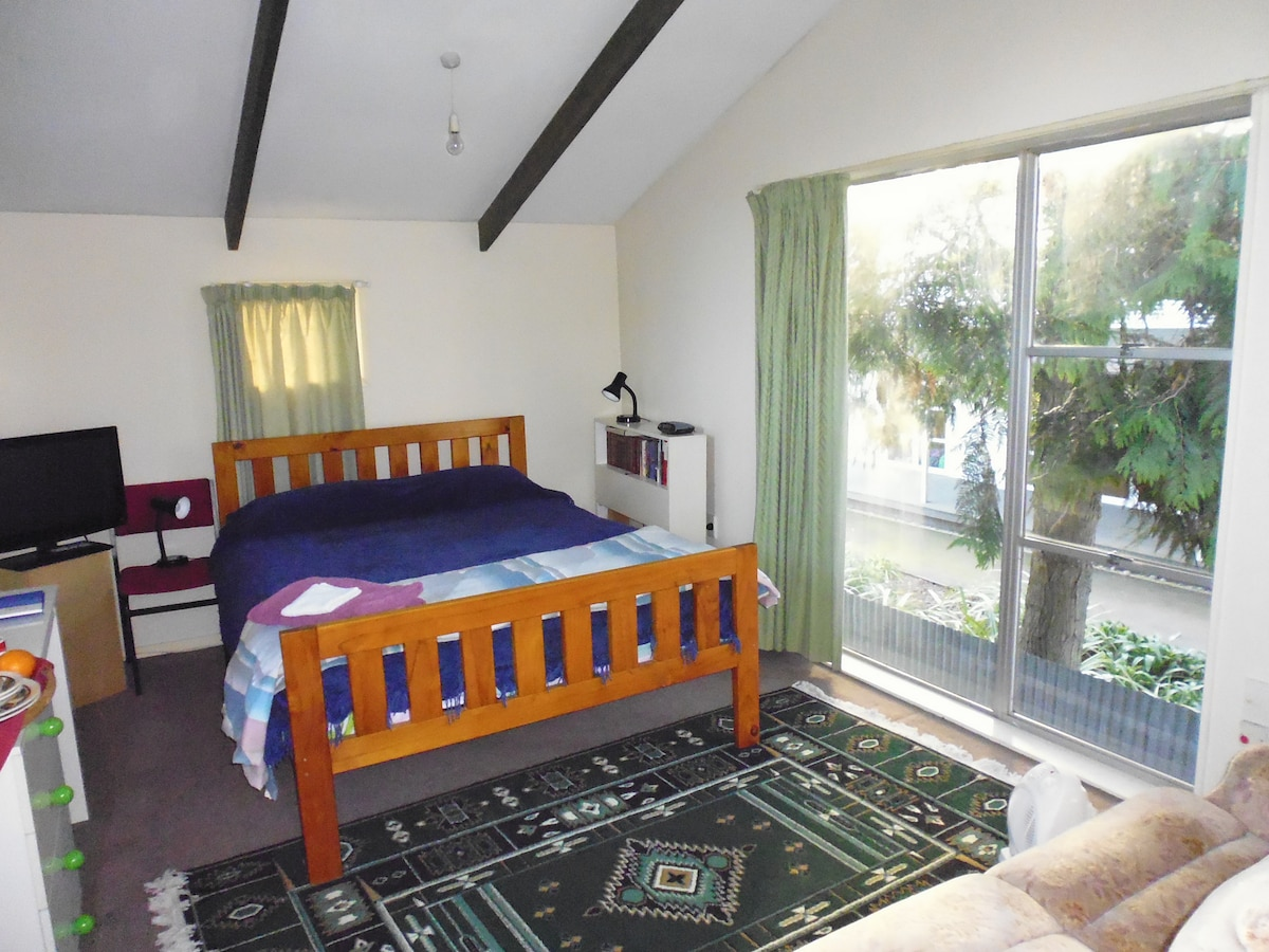 Comfortable, separate large Room