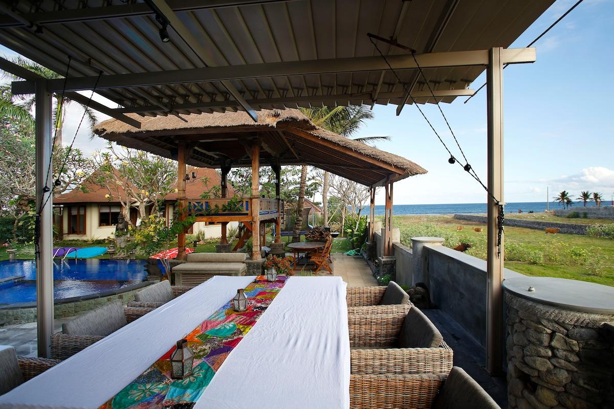 Private beach front villa, room 2