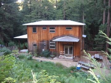 Redwood Retreat w/Private Entrance
