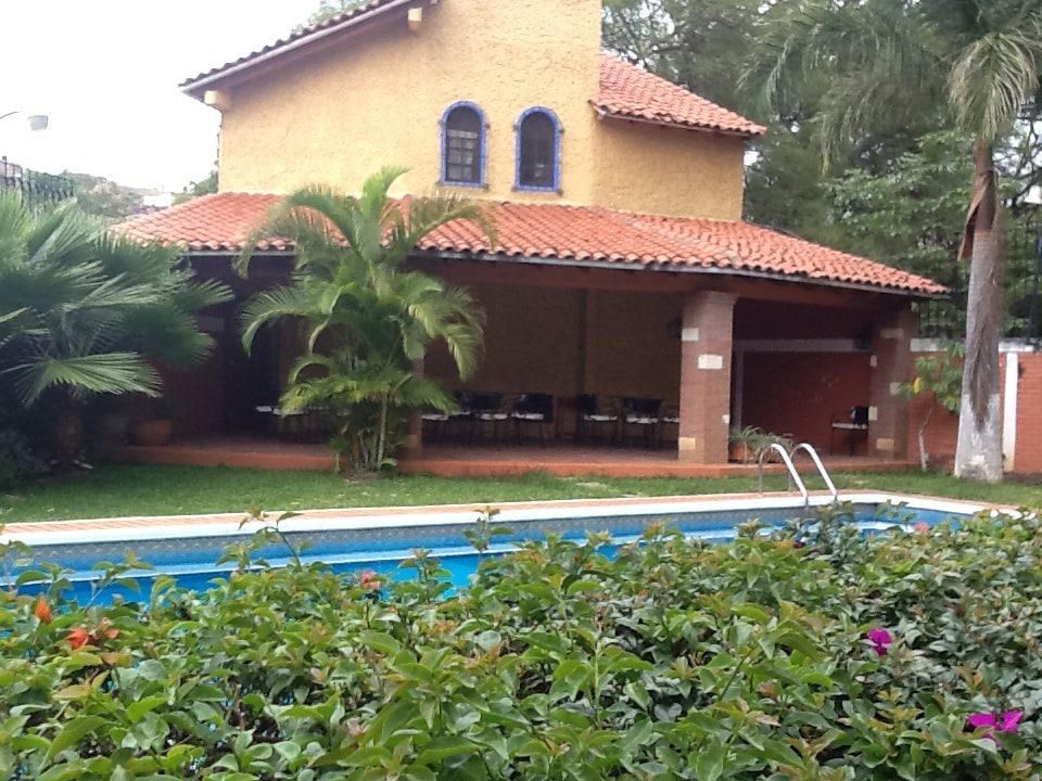 Beautiful bungalows with pool