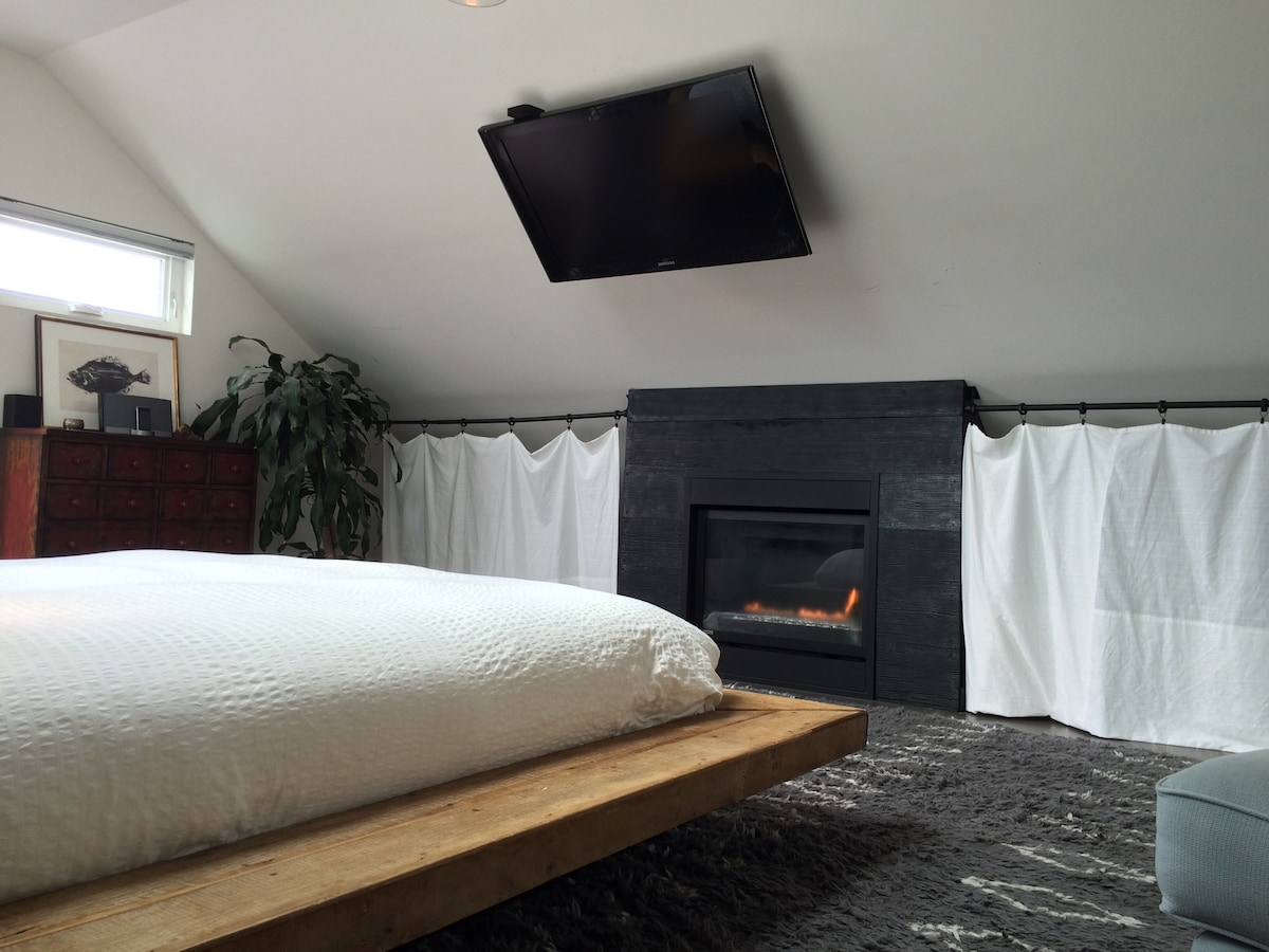 Flat Screen and Fireplace