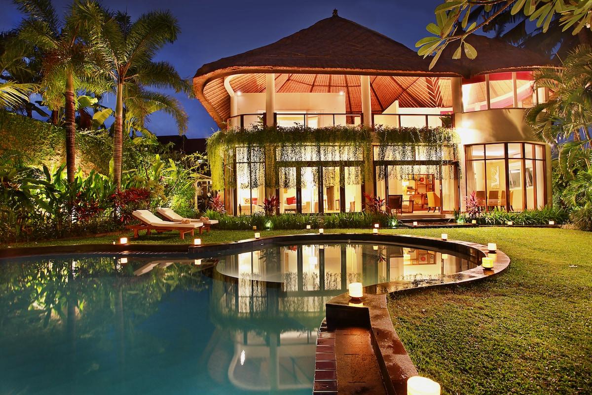 Angel Villa -true oasis, sleeps 12+