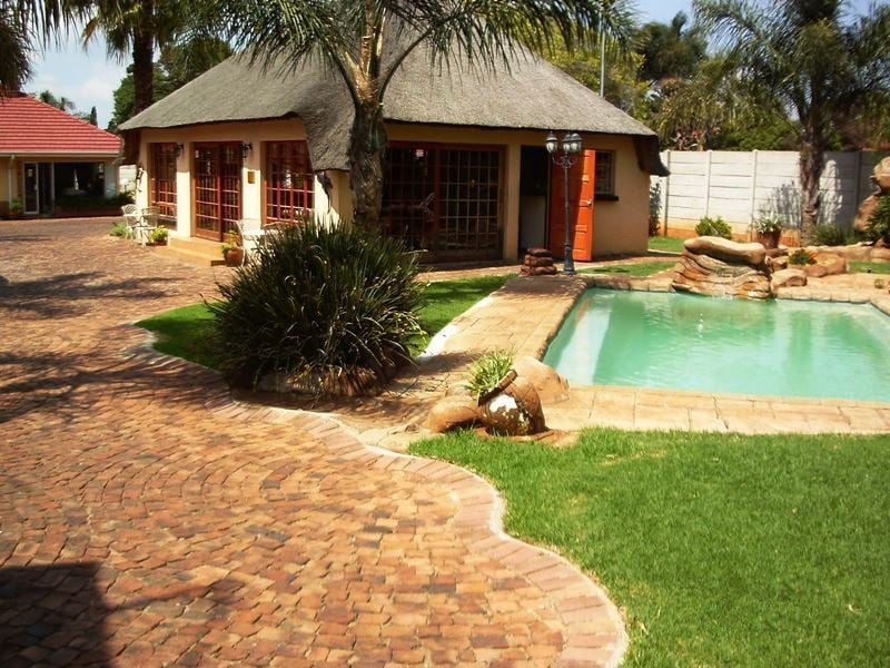 Ekurhuleni Lodge Clean & Peaceful