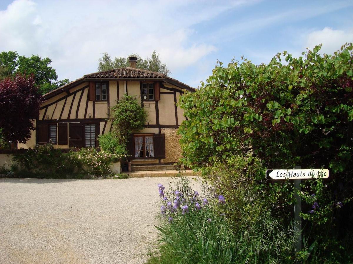 Attractive apartment in Gascony