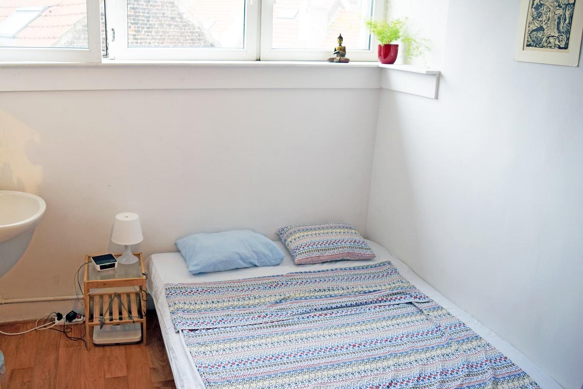 Double room in typical Belgian kot