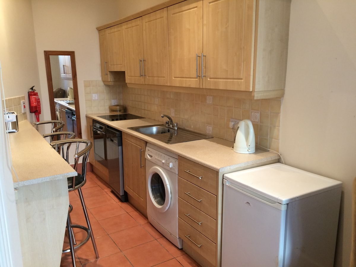 Cosy Double bed Urban Flat,Ranelagh