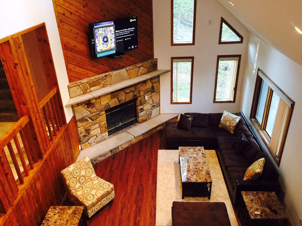 5 Star House in the Poconos! NEW
