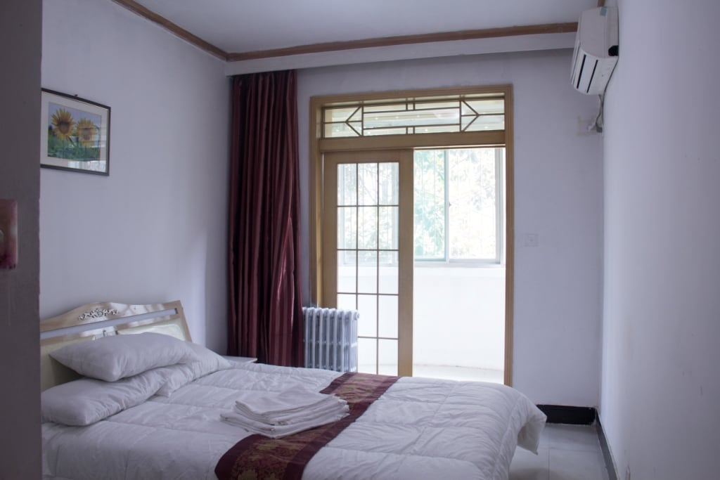 Double Room A, 5 minute walk subway