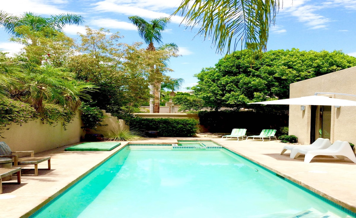 Stylish El Paseo 4 Suite Pool Home