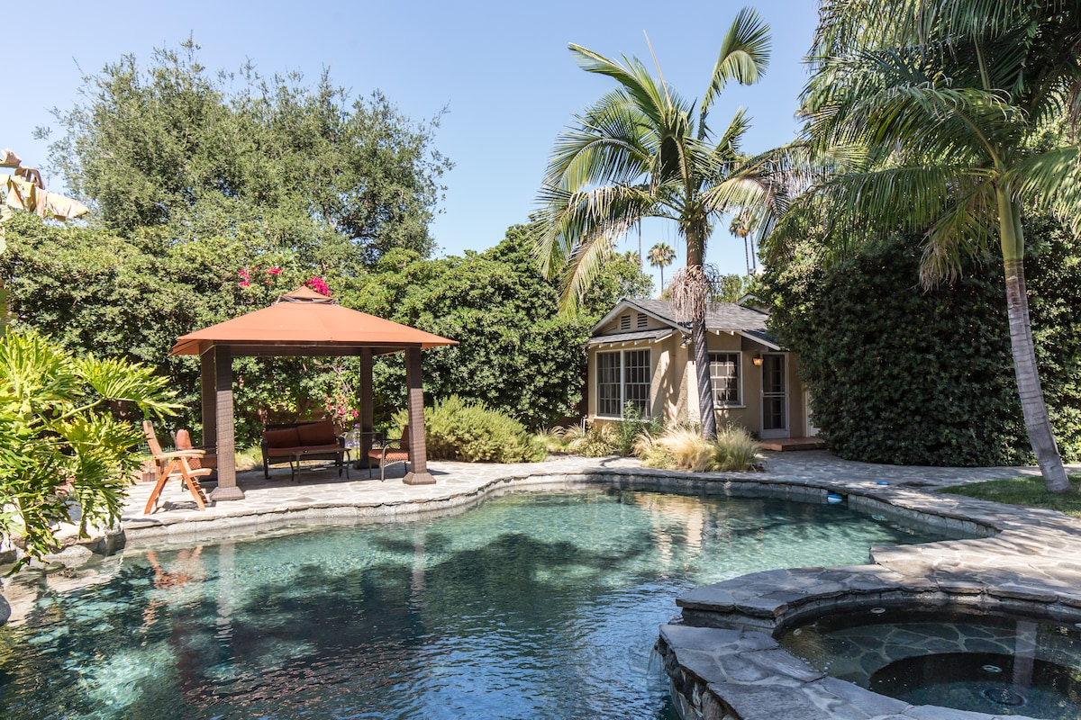 Charming guest house w/ pool access