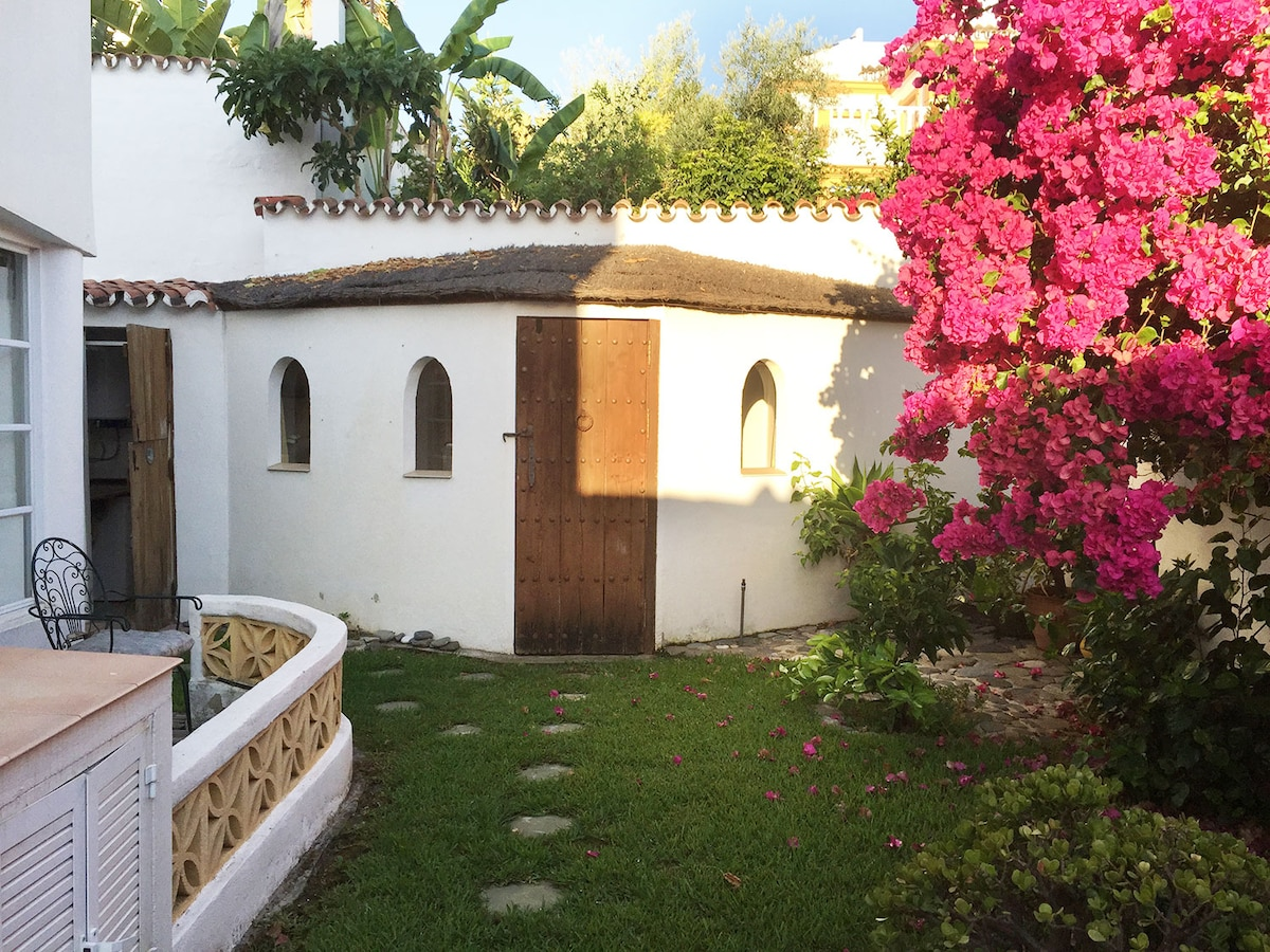 Puerto Banús Garden Hut, with pool