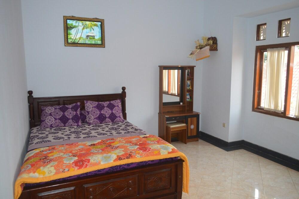 Balinese Home in Taro - Rooms