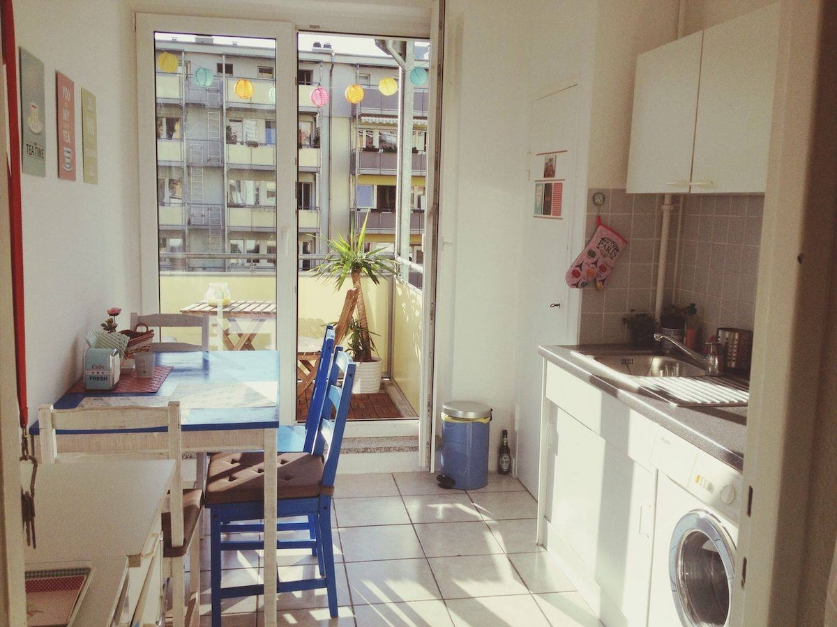 Central bright apartment