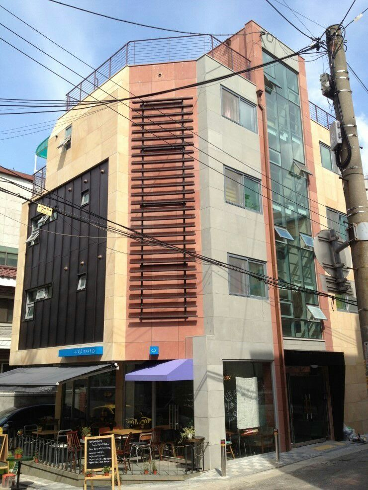 Furnished cozy house in Hongdae