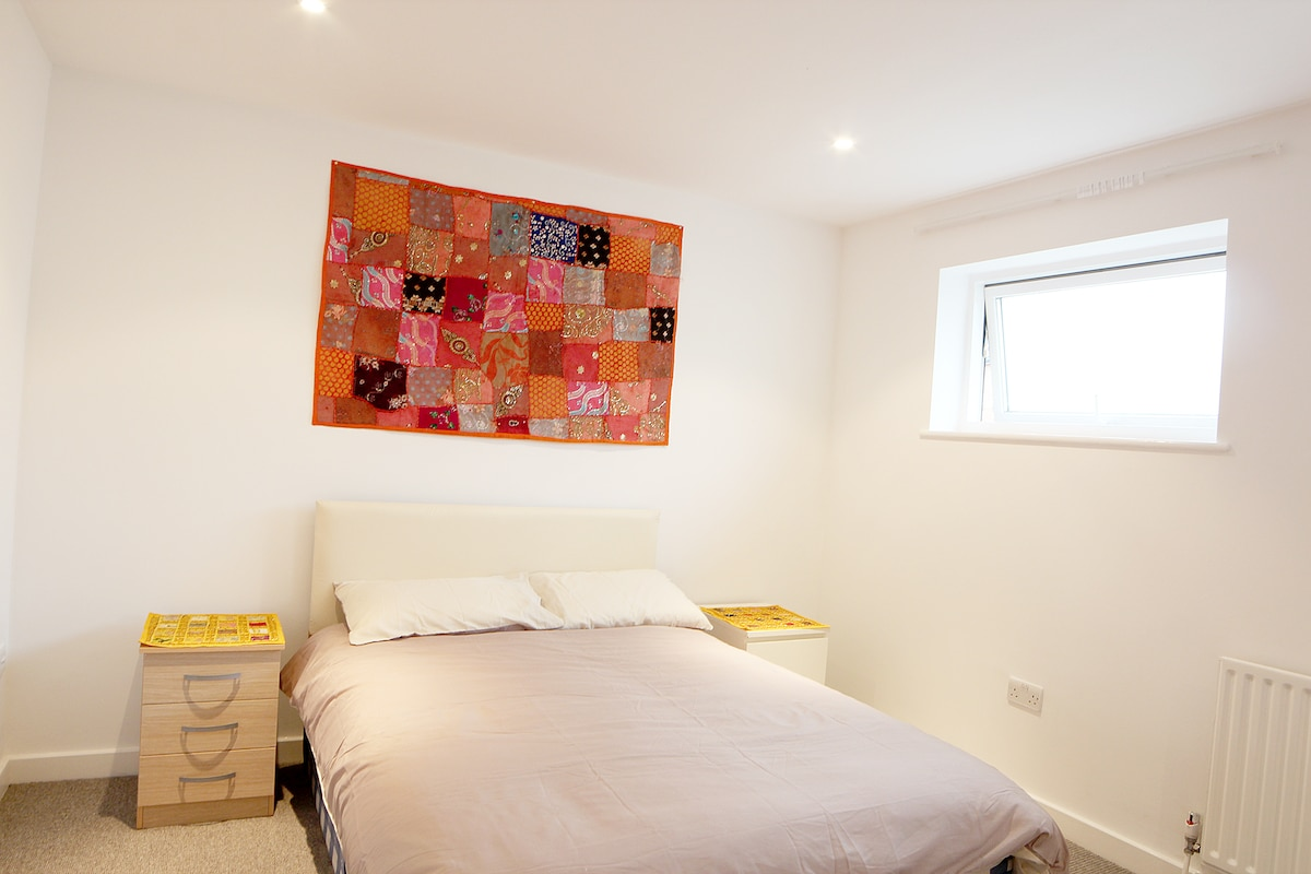 6 Bedrooms Close to Notting Hill