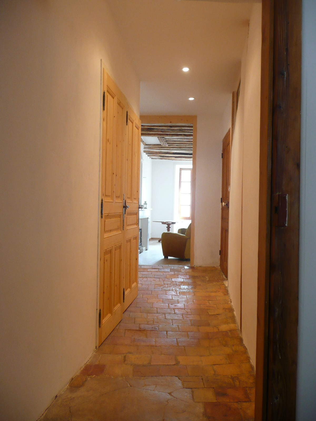 corridor from kitchen to living room