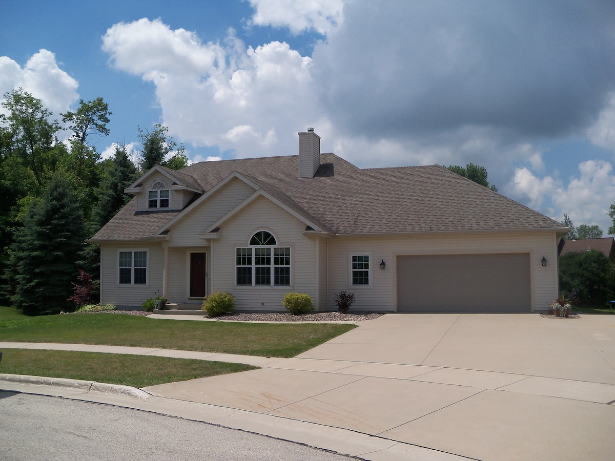 3+ Bedroom, 2 Bath Home in Plymouth