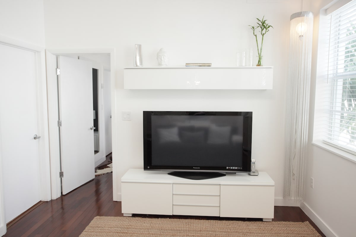 Glamorous 1bedroom apt. in So-Be!!!