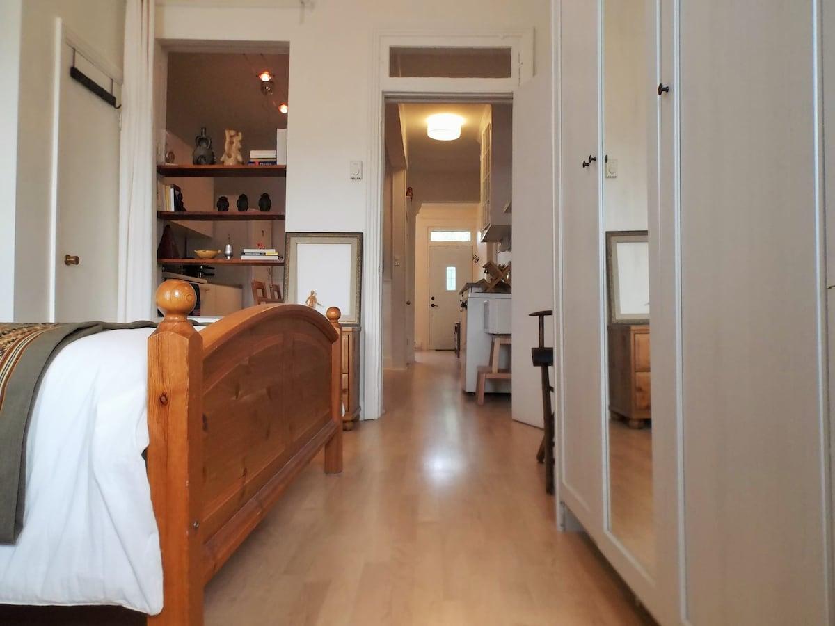Cosy apartment Jean-Talon market