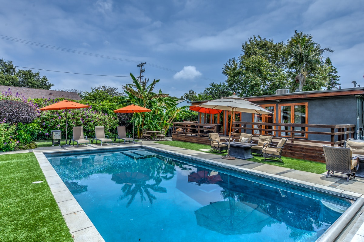 Venice Home on XL lot w/ huge Pool