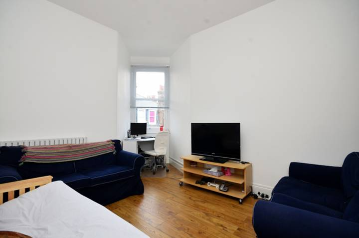 Battersea furnished flat