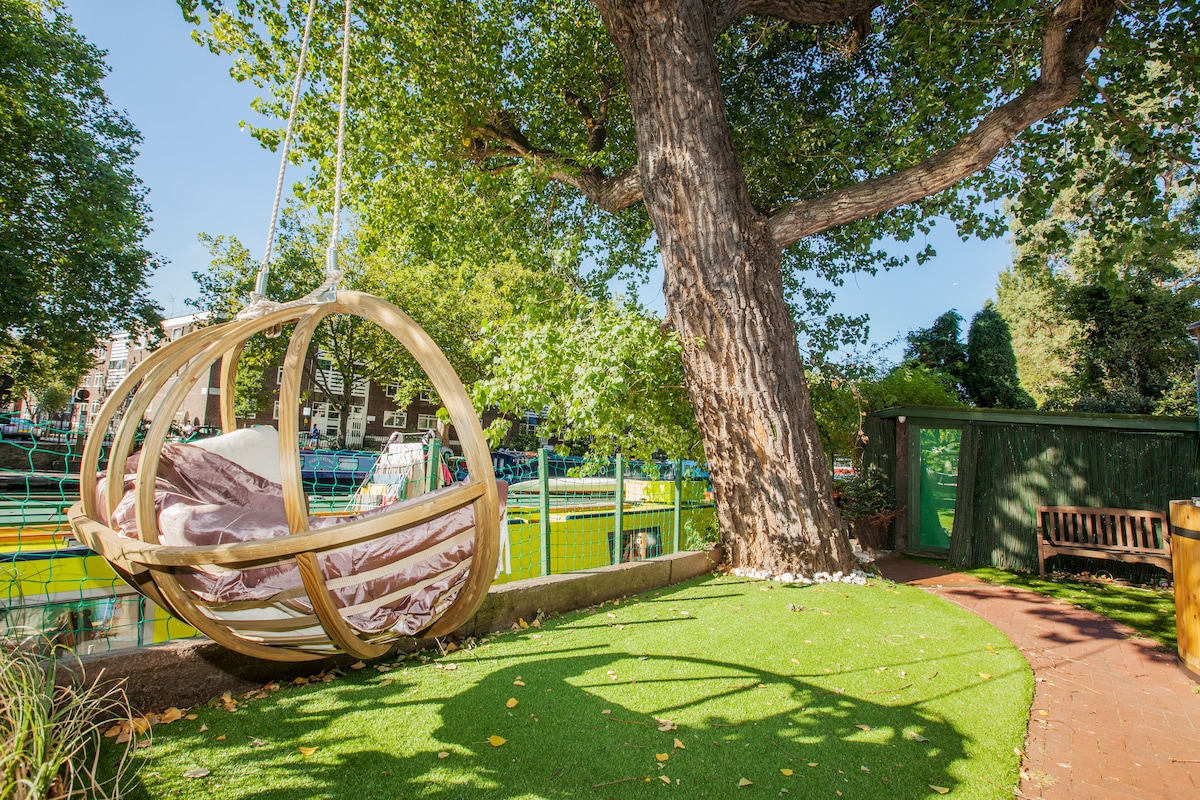Designer Garden for Private use with Double-Seater Swing, Hot Tub & 300 years-old lime tree