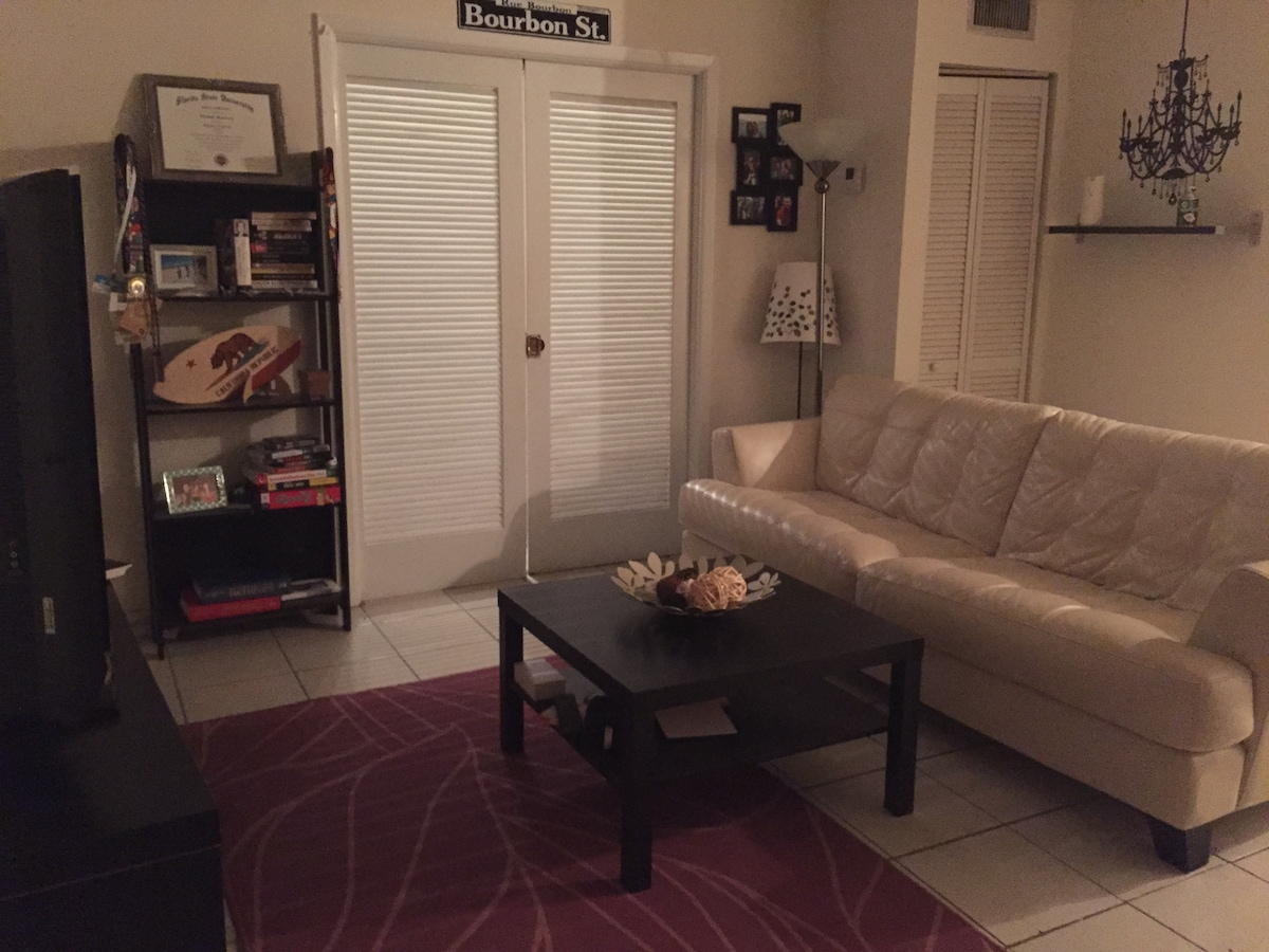 1 BR/BA FULL APT IN DT CORAL GABLES
