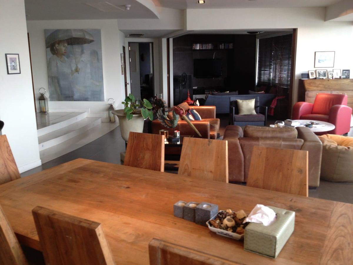 Stunning riverside luxury apartment