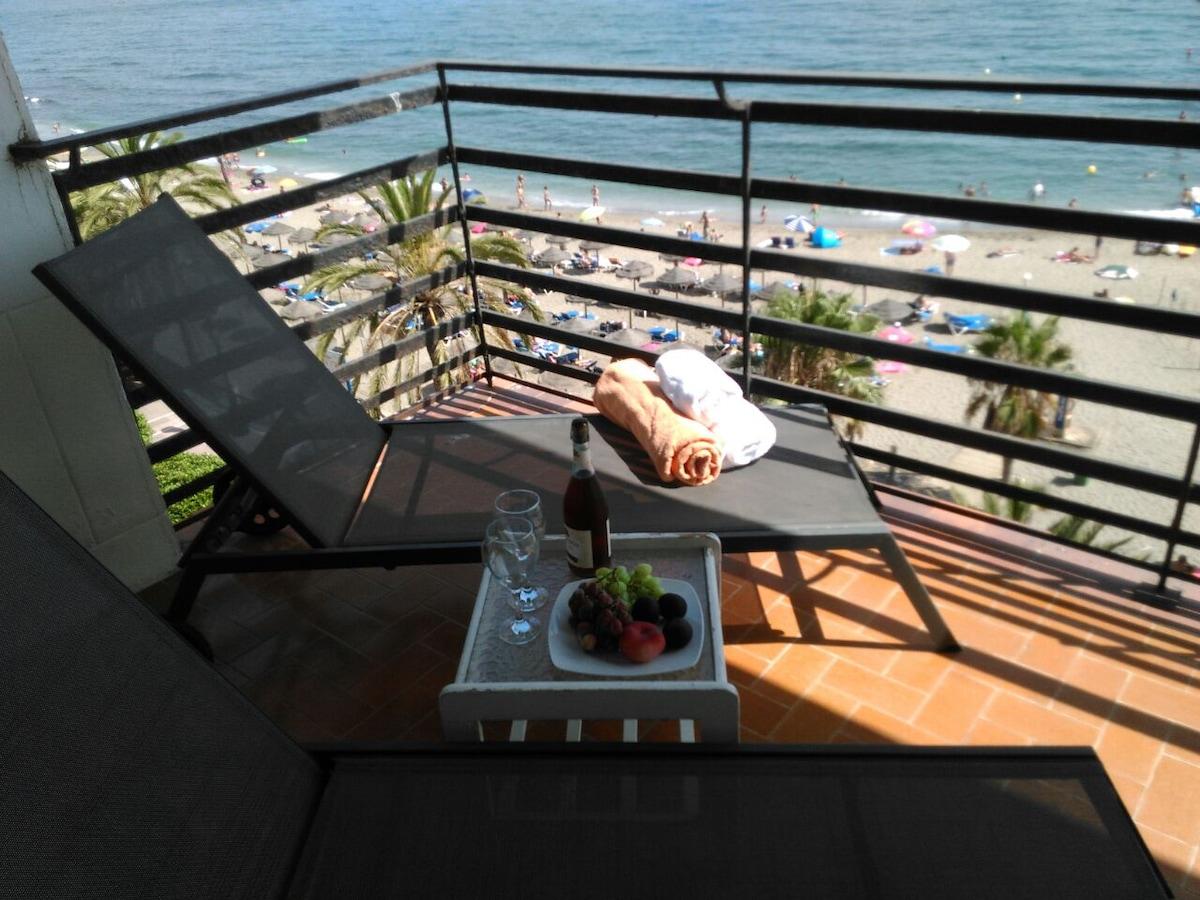 Apartamento frontal  playa Marbella