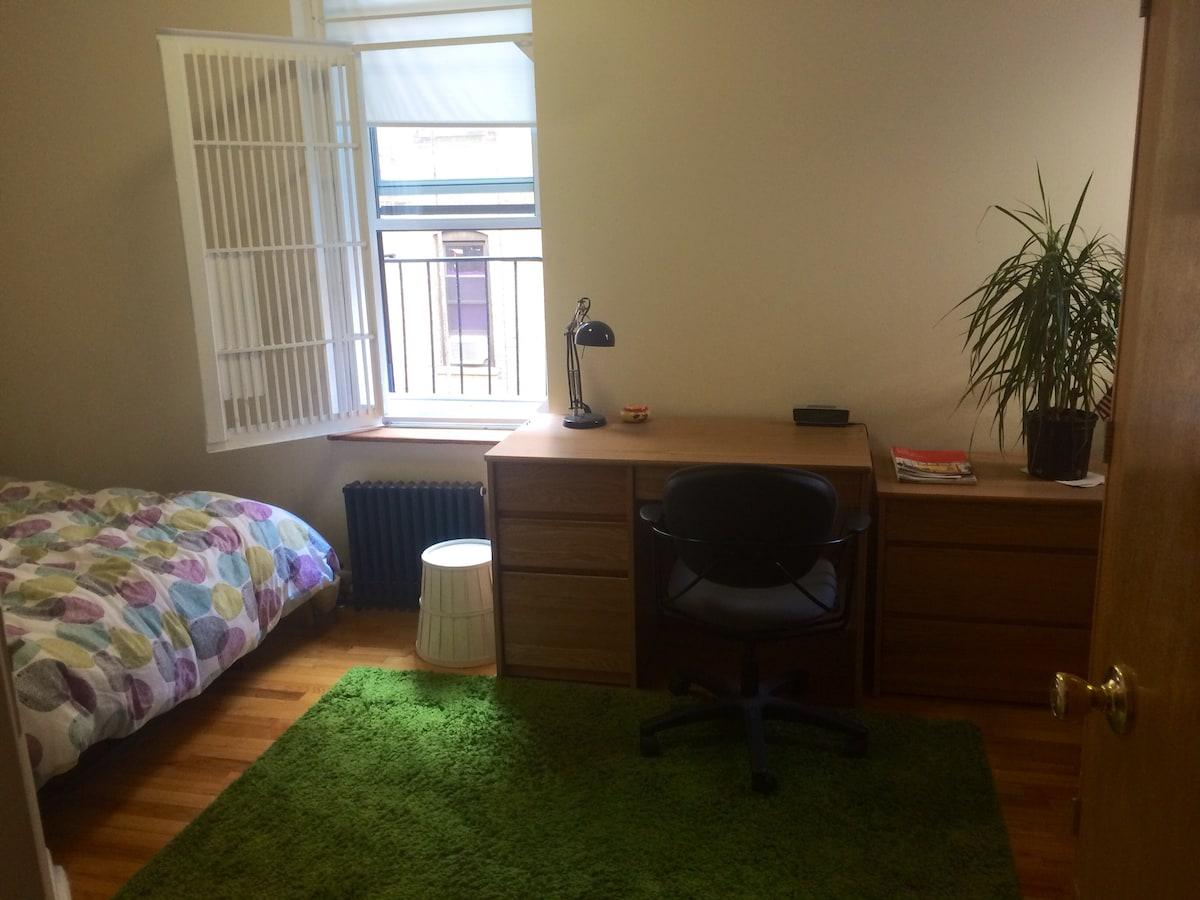 Quiet / Cosy Apartment on Riverside
