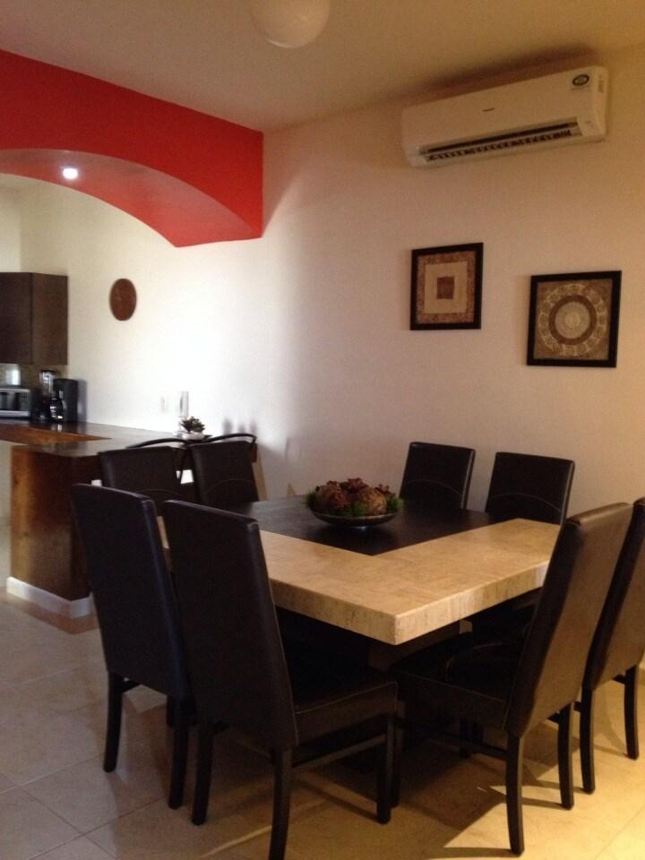 Cozy apartment, excellent location!