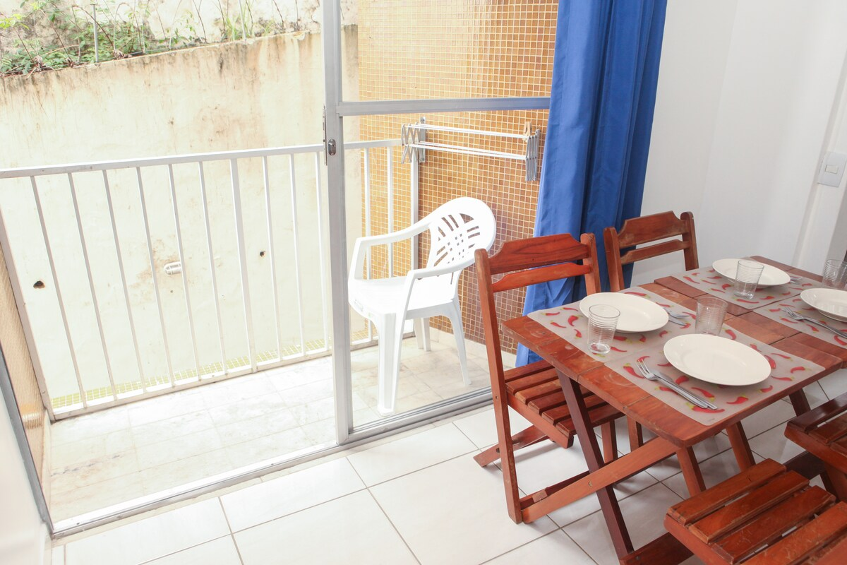 Balcony for two on the shady and quiet area of the building