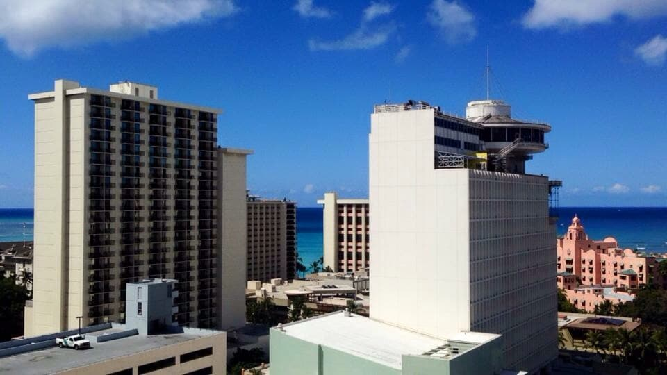 Waikiki studio 5 minutes from beach